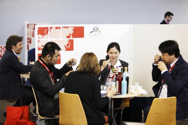 Asia-fooddrink-business-meetings